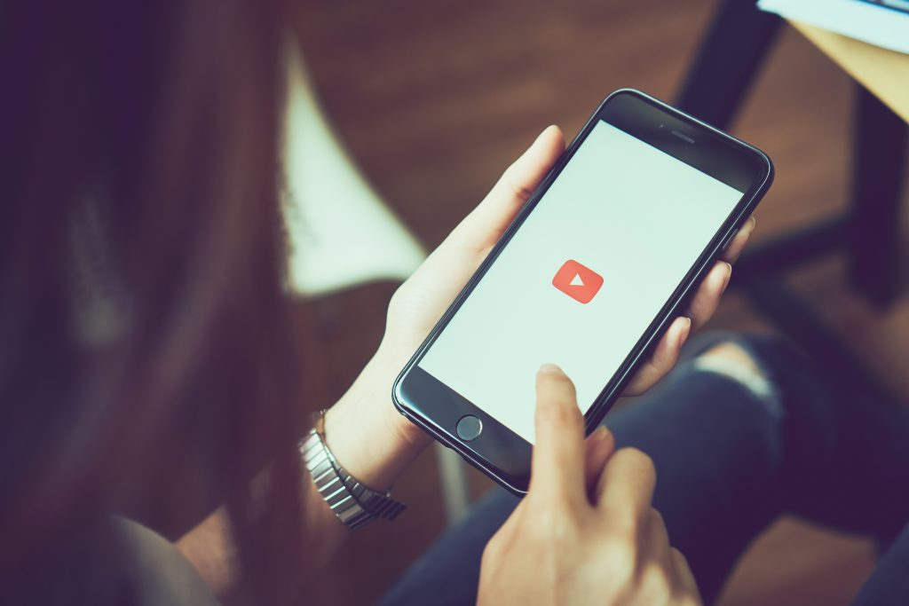 The Pros and Cons of Video in Email Marketing